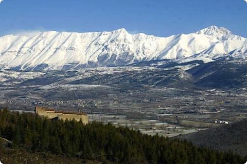 Vista Panoramica del Gran Sasso dal Monastero Fortezza Santo Spirito